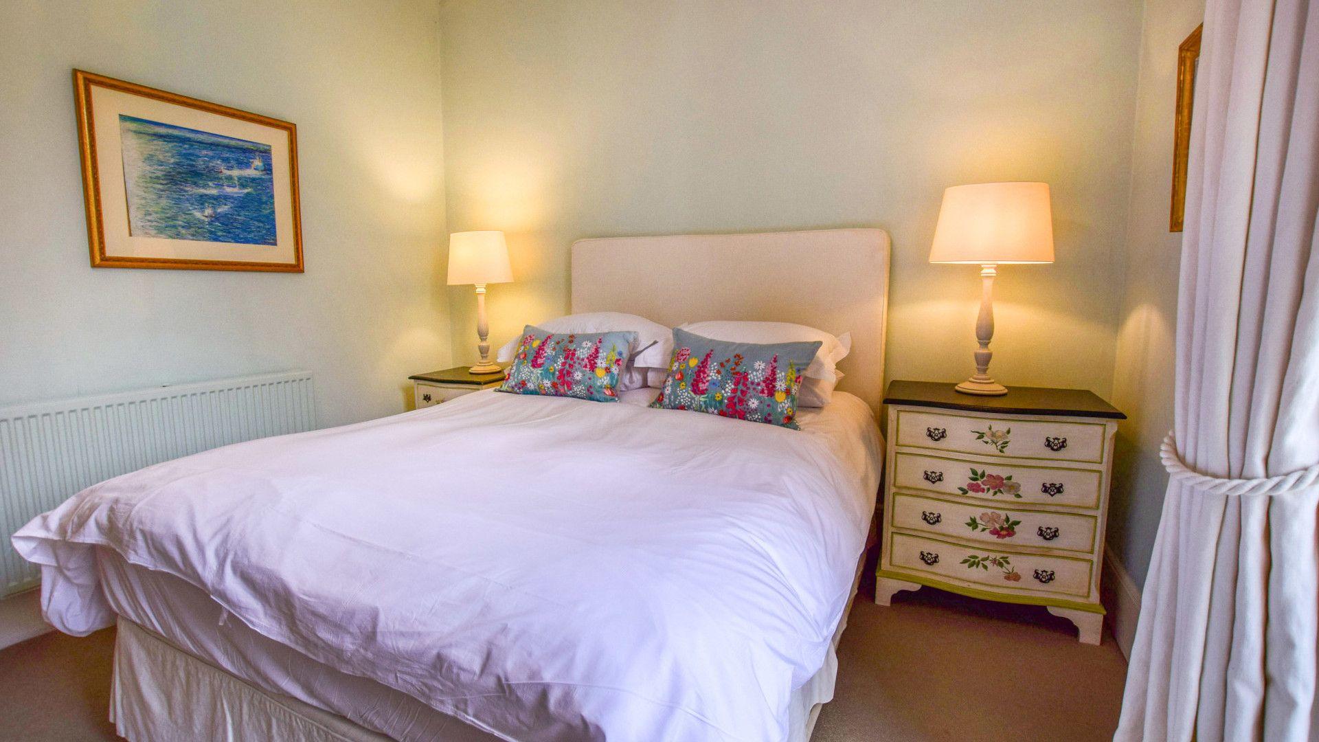 Bedroom One, Kingscote Park House, Bolthole Retreats