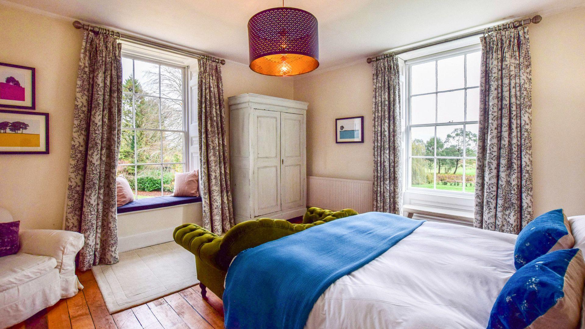 Bedroom Two, Kingscote Park House, Bolthole Retreats