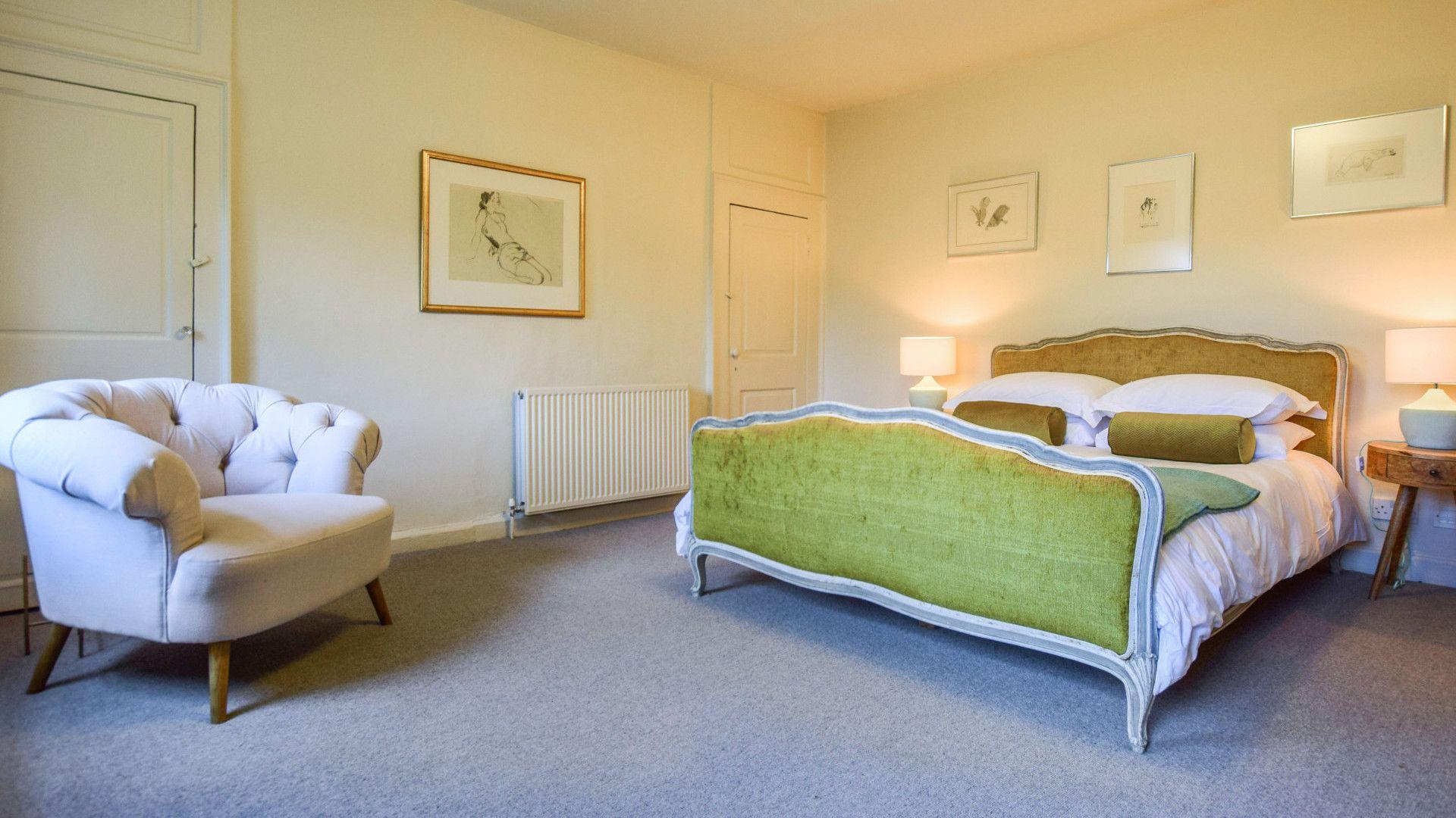 Bedroom Six, Kingscote Park House, Bolthole Retreats