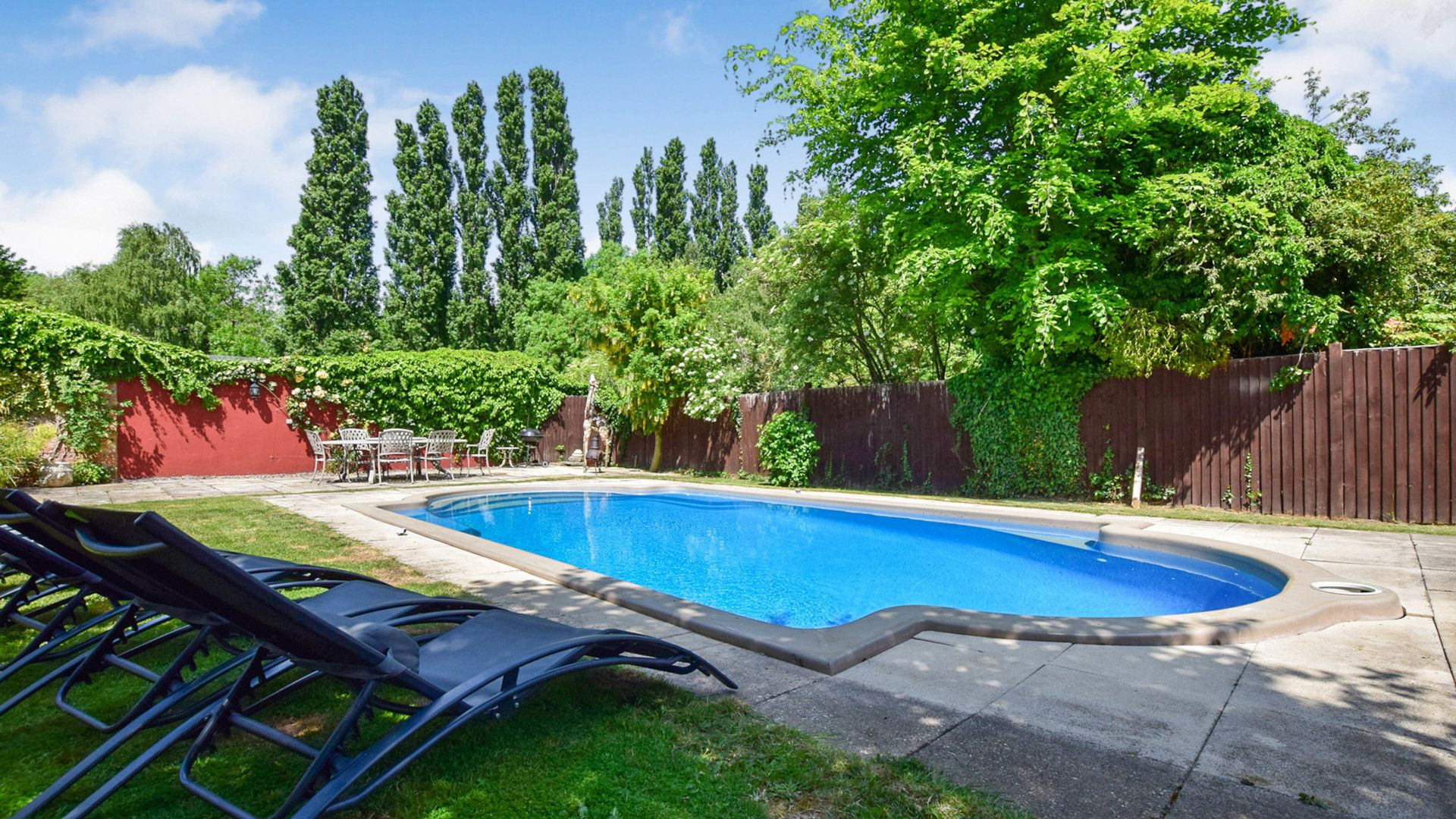 Pool, patio & loungers, Landers, Bolthole Retreats