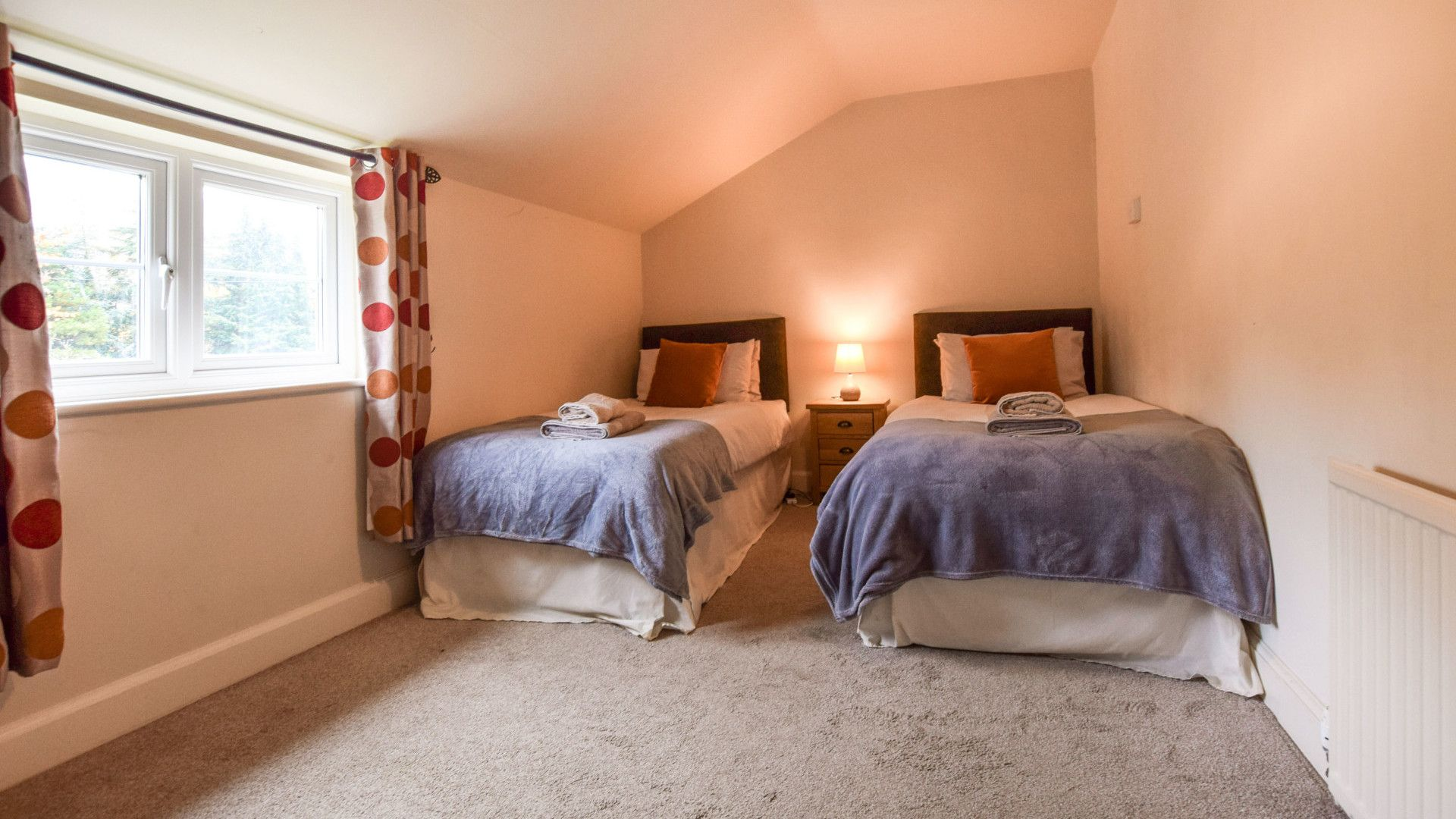 Bedroom 3, twin, Landers, Bolthole Retreats
