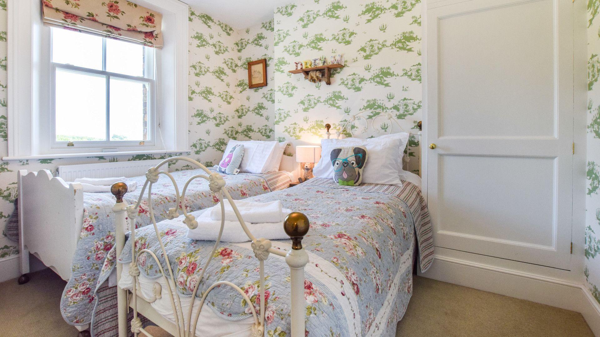 Bedroom 4, children's twin, Old Manse, Bolthole Retreats