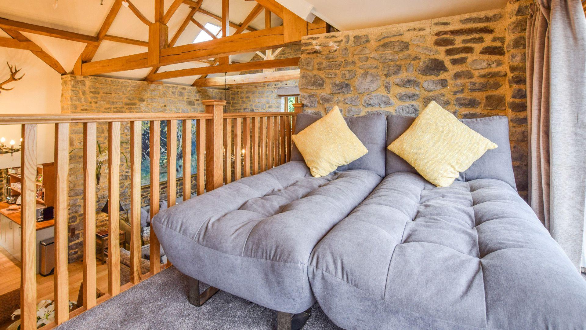 Mezzanine sleeping area, Tythe Barn at Avon Farm, Bolthole Retreats
