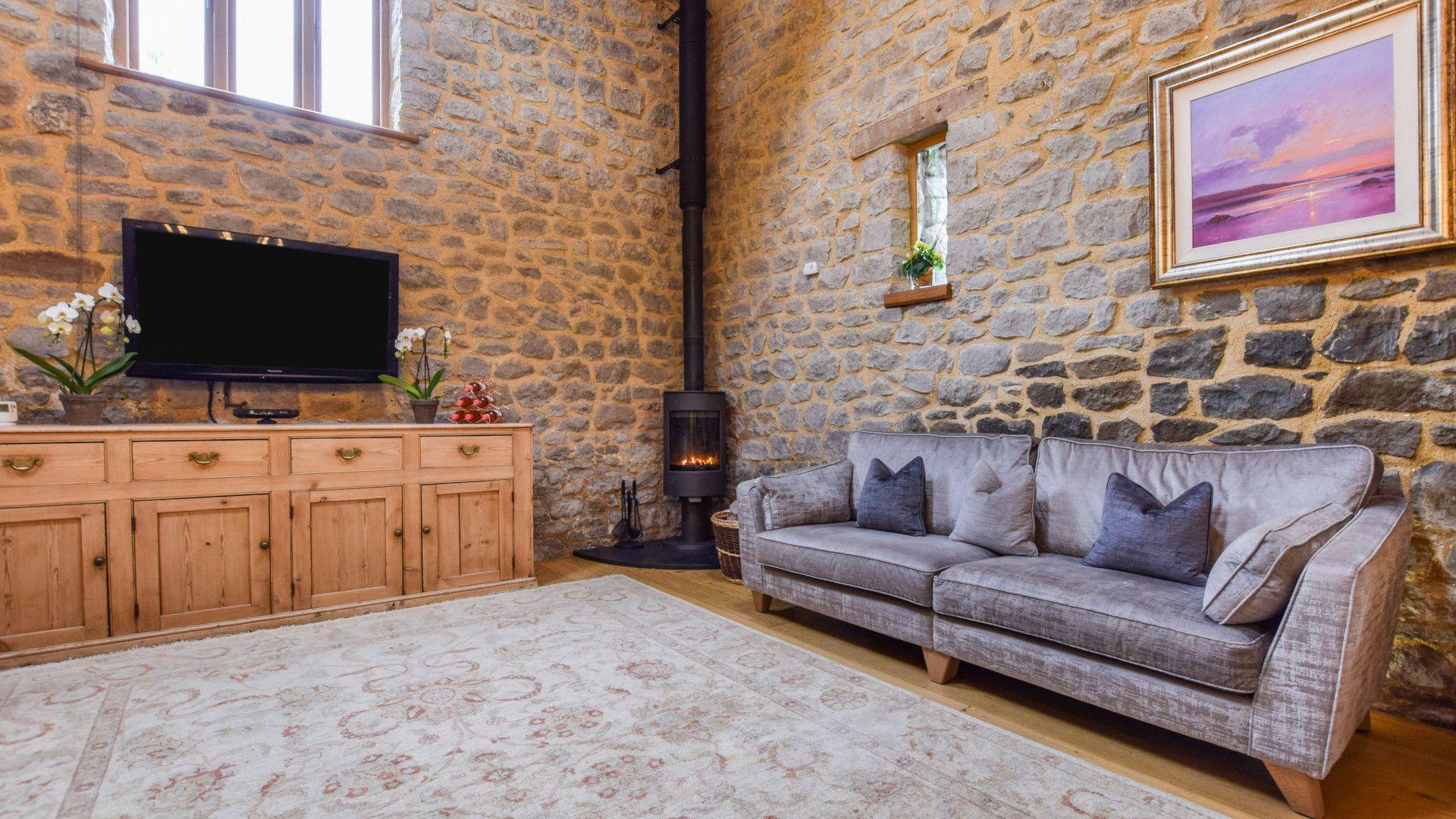 Living room, Tythe Barn at Avon Farm, Bolthole Retreats