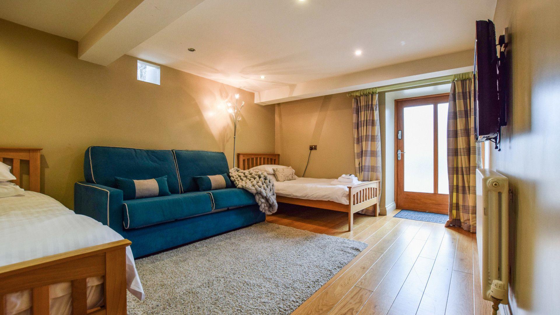 Bedroom 3, twin & sofa bed, Tythe Barn at Avon Farm, Bolthole Retreats