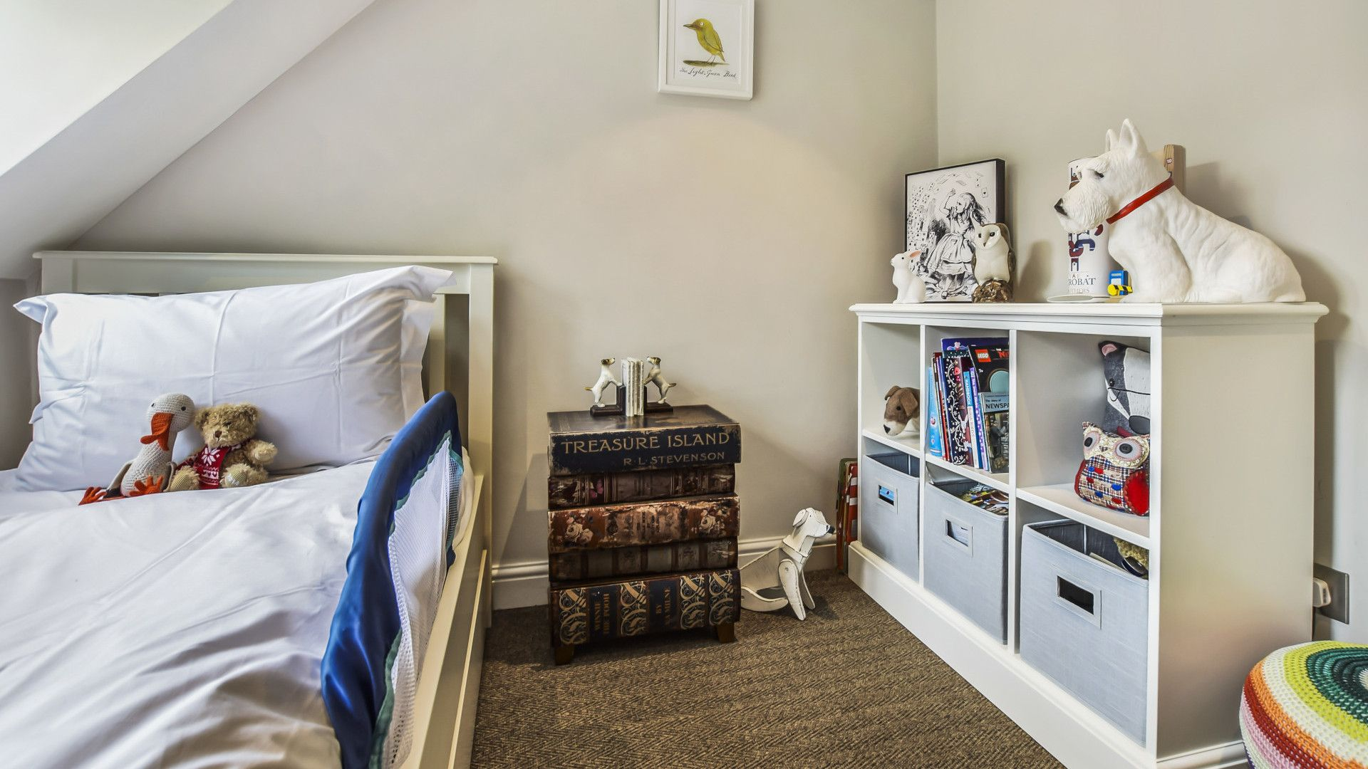 Children's room, Master bedroom, Westerleigh Cottage, Bolthole Retreats