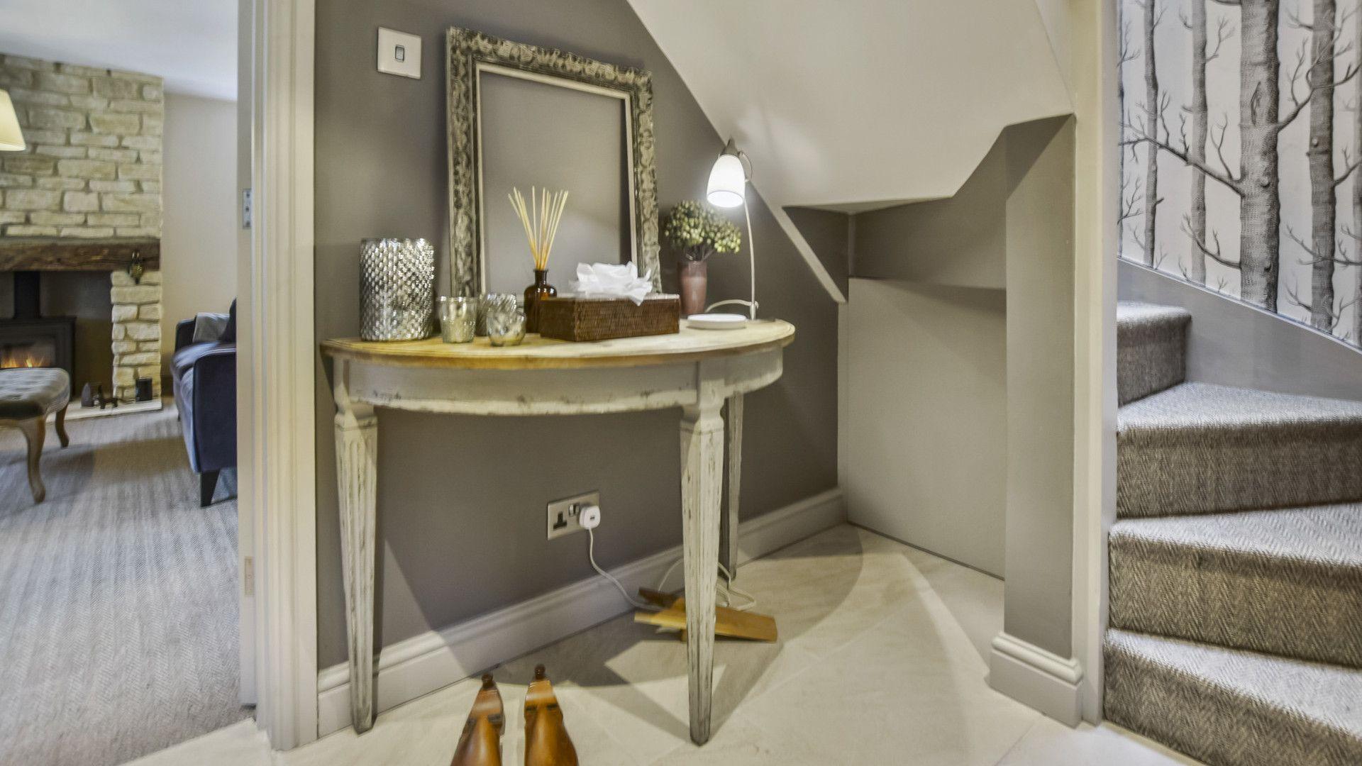 Hallway, Westerleigh Cottage, Bolthole Retreats