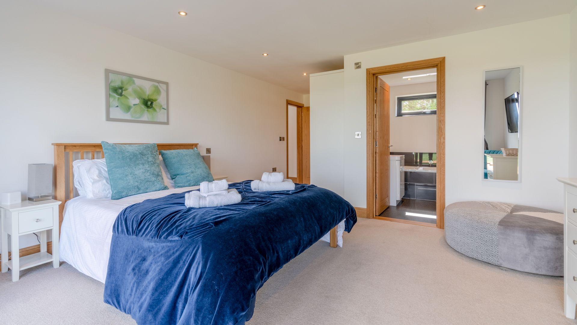 Bedroom Four, Lower Lodge Barn, Bolthole Retreats