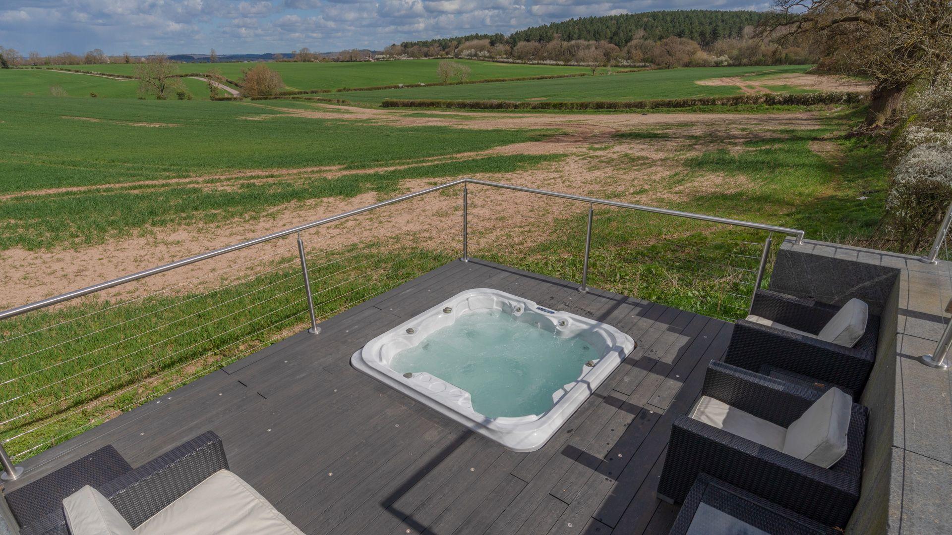 Hot tub, Lower Lodge Barn, Bolthole Retreats