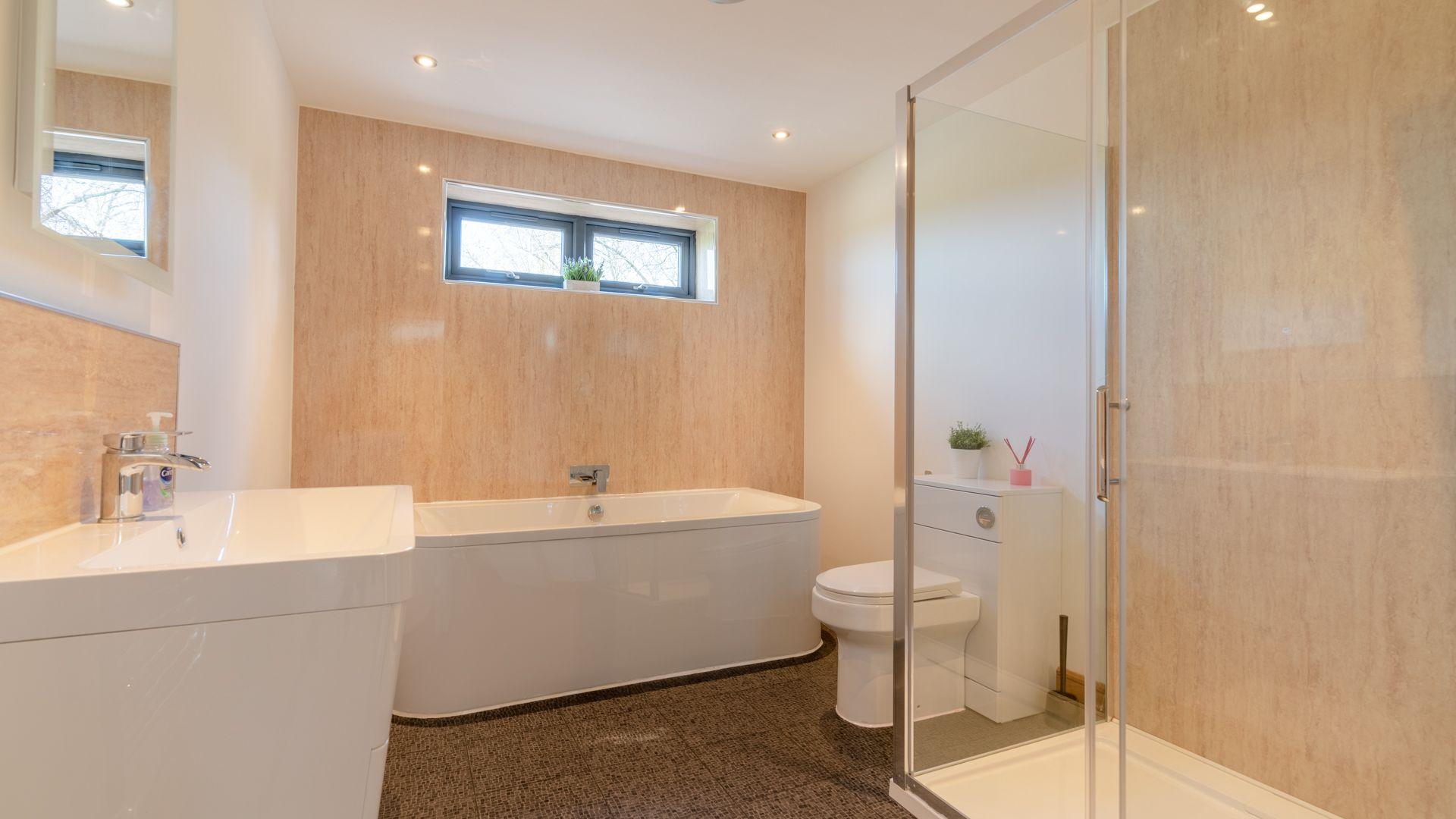 Family bathroom, Lower Lodge Barn, Bolthole Retreats