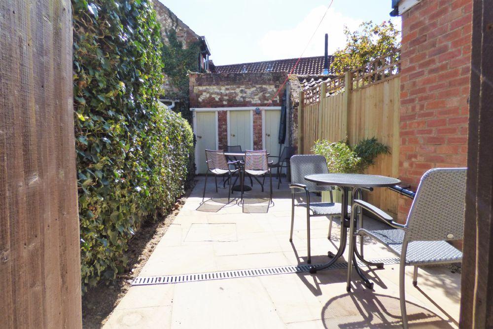 Nelson Cottage | Garden gate view