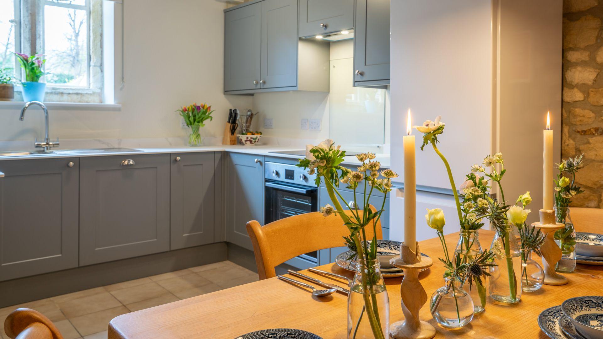 Kitchen-Dining Area, Sundial Cottage, Bolthole Retreats