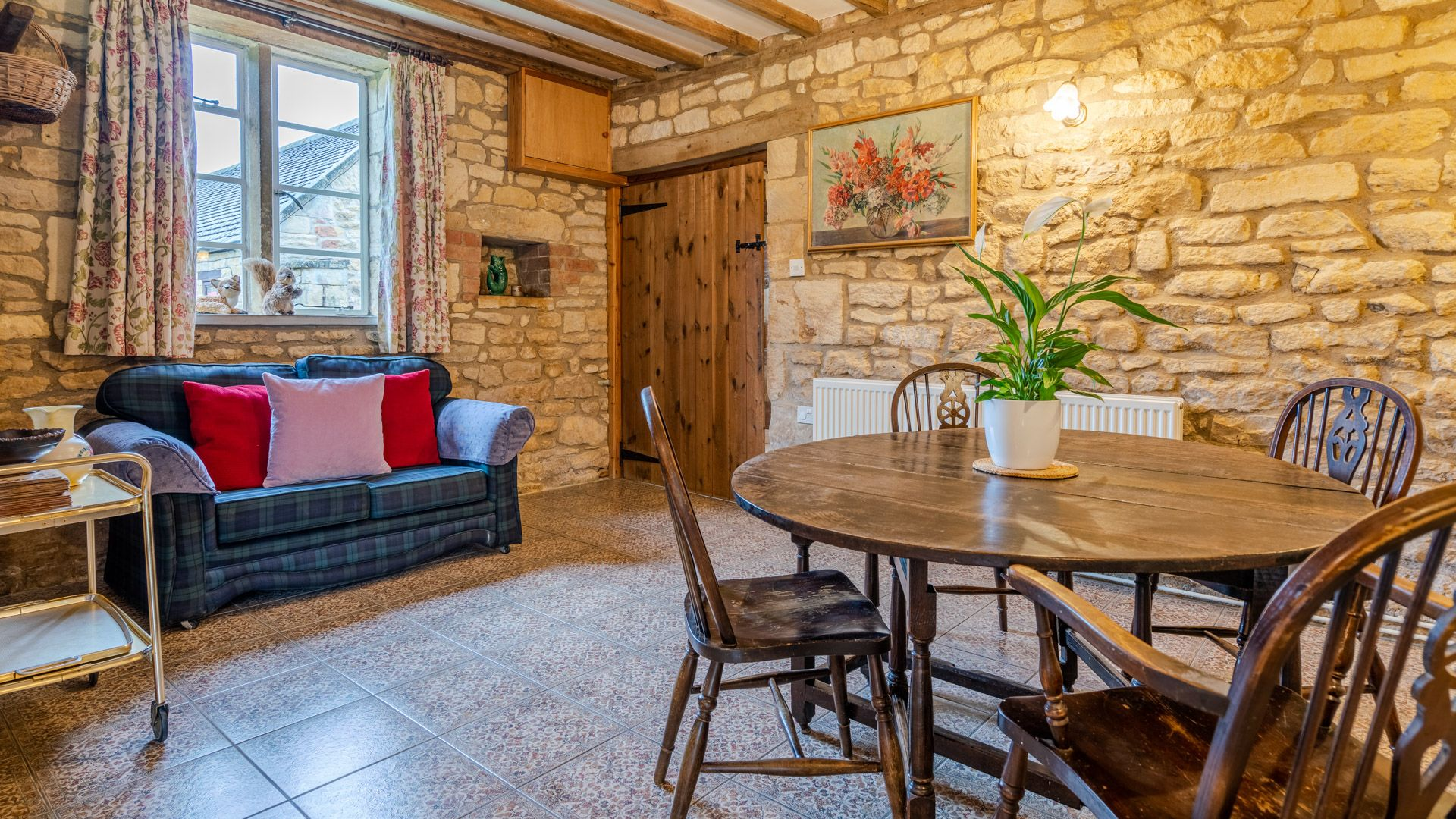 Living-Dining Area, Field House Cottage, Bolthole Retreats
