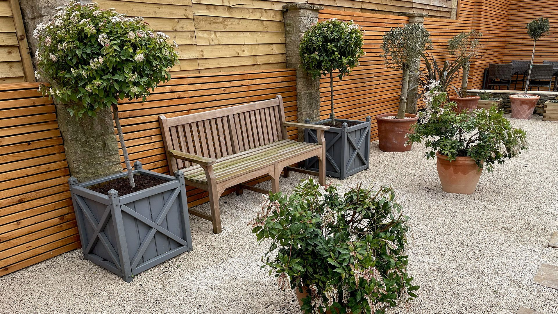 Mediterranean-style rear garden, Appletree Cottage, Bolthole Retreats