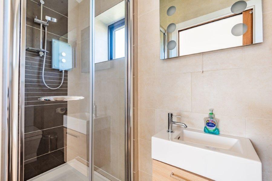 Levante | Shower room
