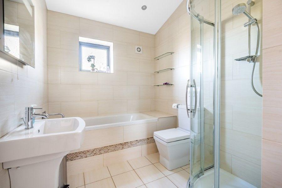 Levante | Bathroom