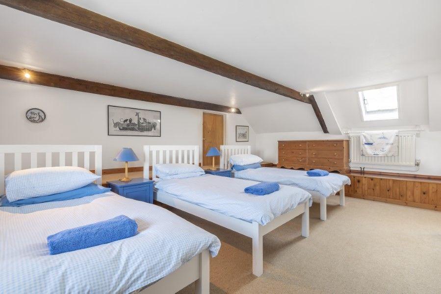 Nelson Lodge | Triple bedroom