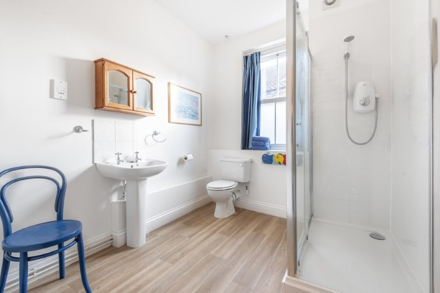 Nelson Lodge | Shower room