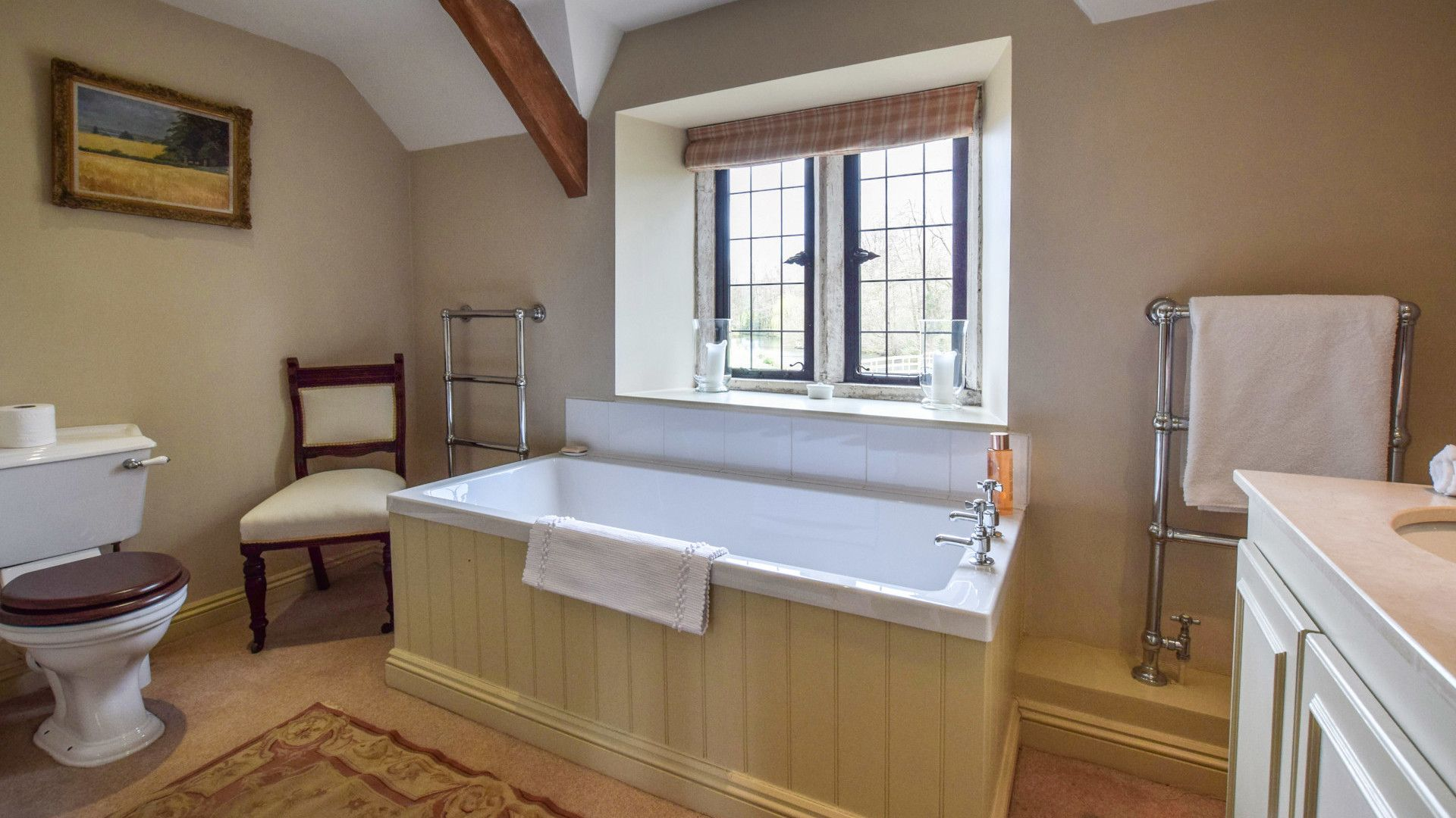 Bedroom One-Master Ensuite, Grindstone Mill, Bolthole Retreats