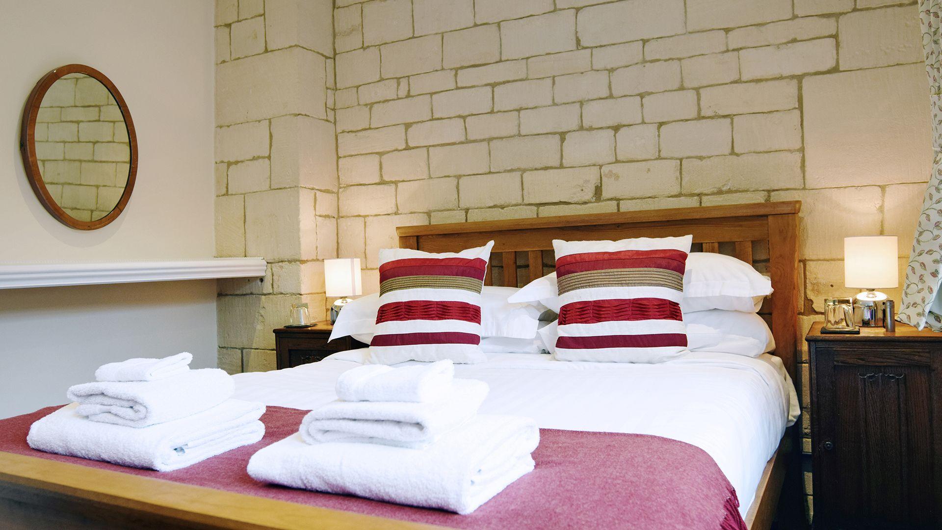Double bedroom, Lady Jane Grey Cottage at Sudeley Castle, Bolthole Retreats
