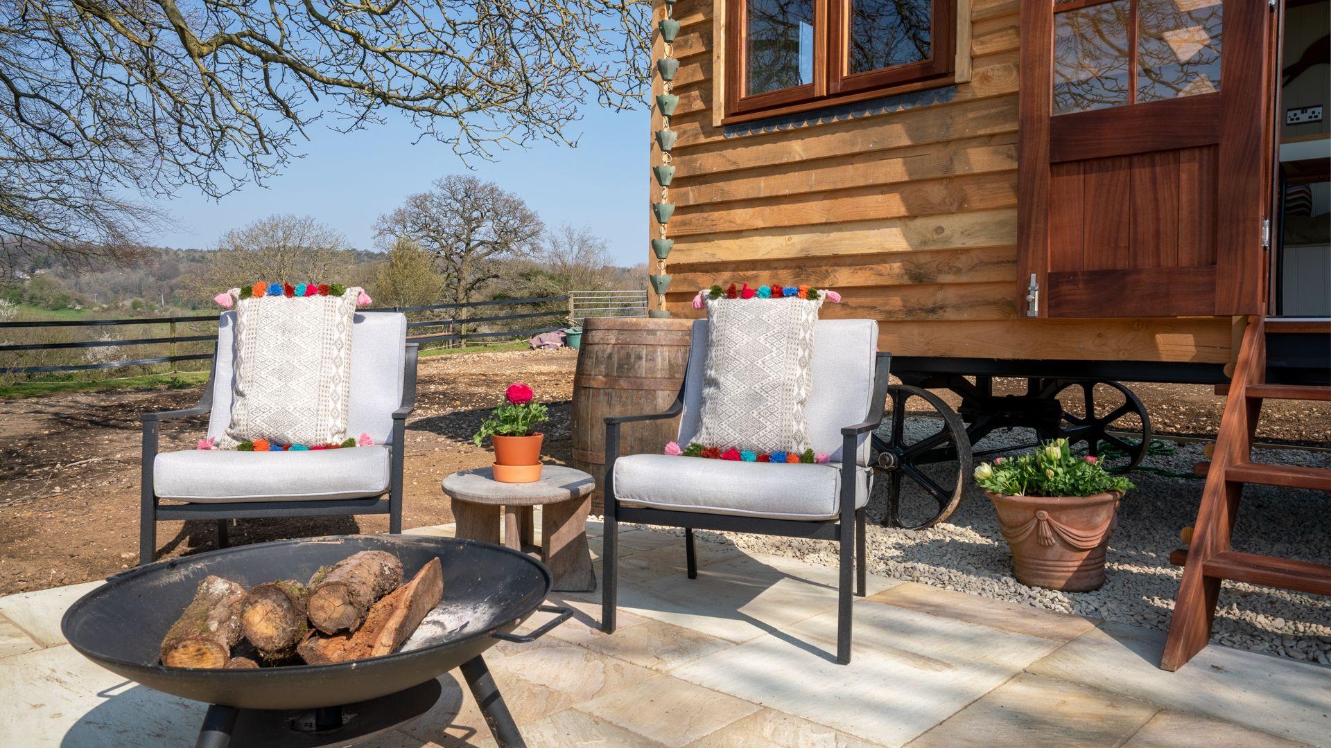 Exterior seating, Tudor Oak, Bolthole Retreats