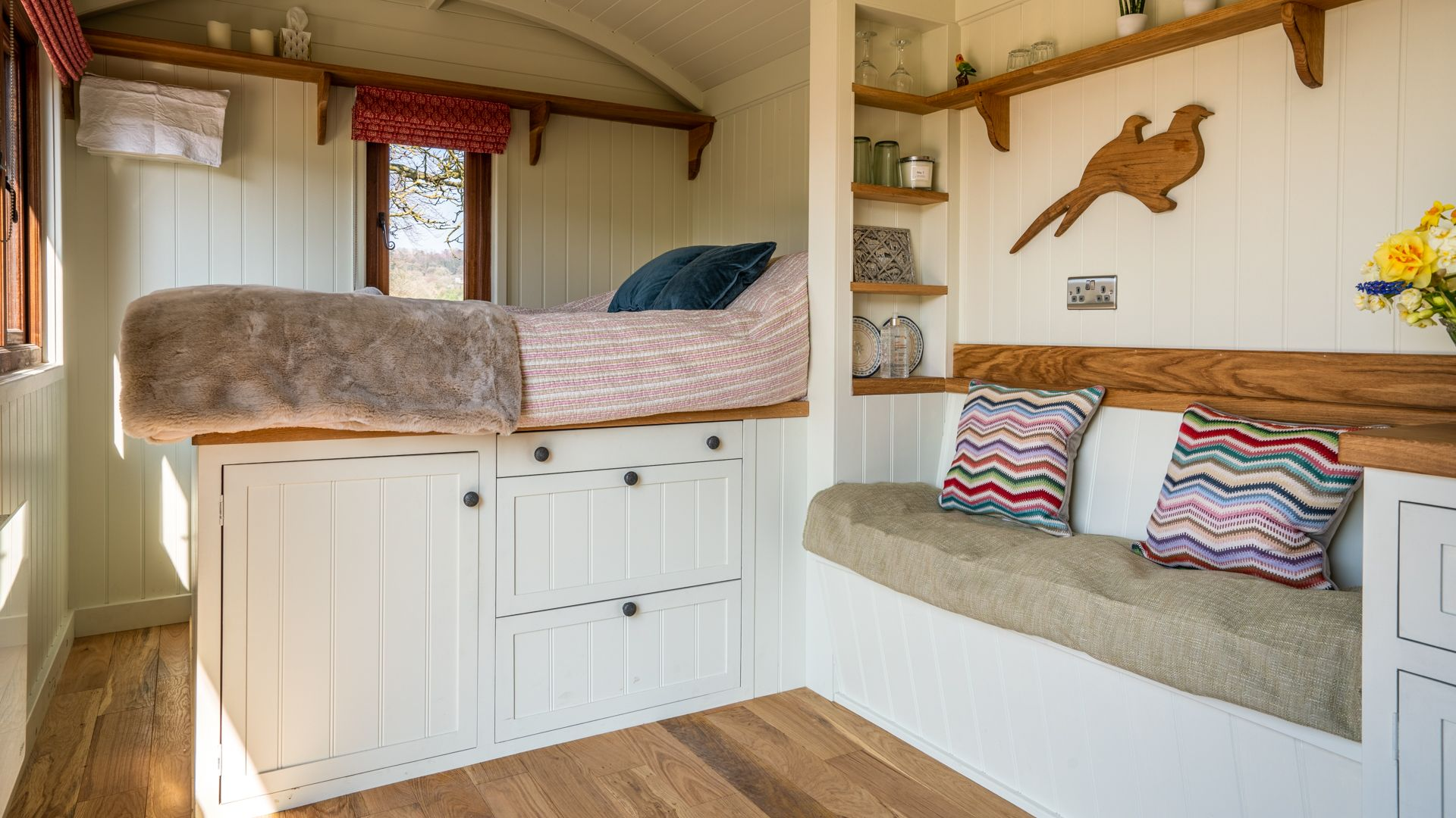 Bedroom and seating, Tudor Oak, Bolthole Retreats