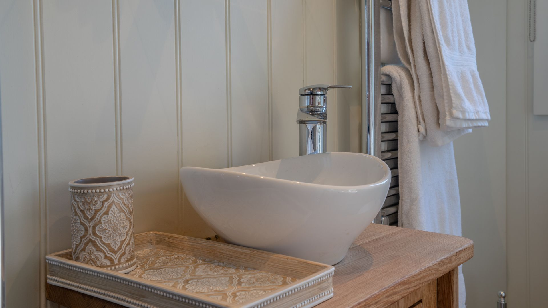 Shower room detail, Tudor Oak, Bolthole Retreats