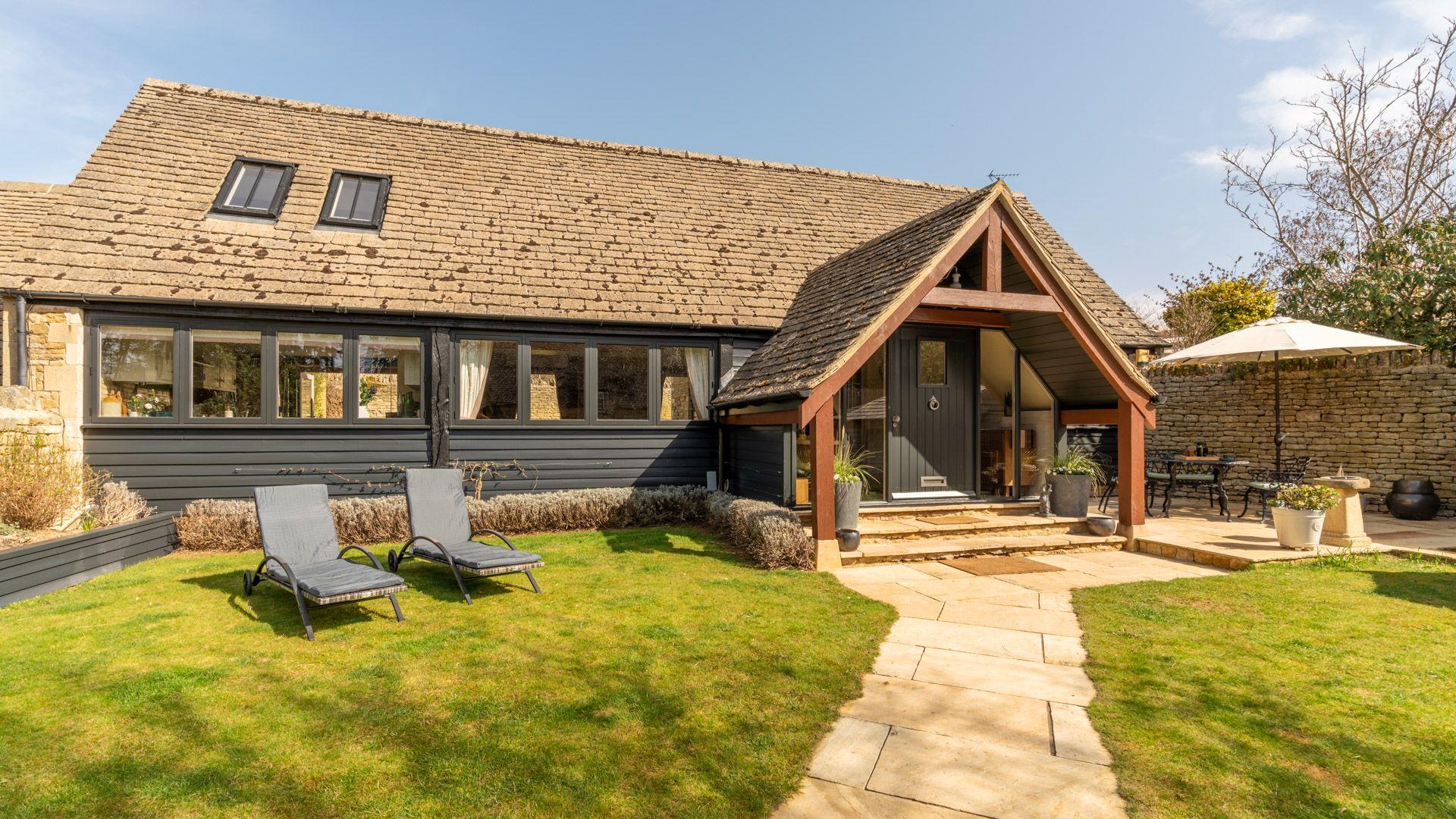 Exterior front and garden, Quail House, Bolthole Retreats