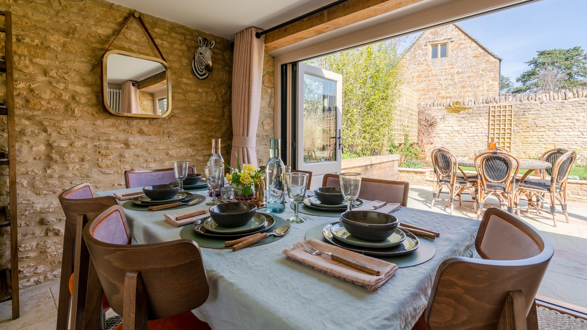 Dining area, Quail House, Bolthole Retreats