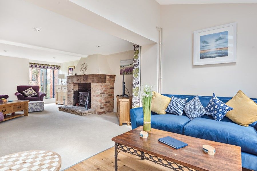 The Stables Manor Court | Garden room leading to sitting room