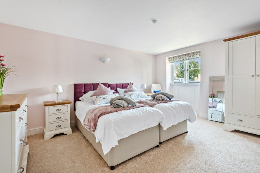 The Stables Manor Court | Downstairs bedroom