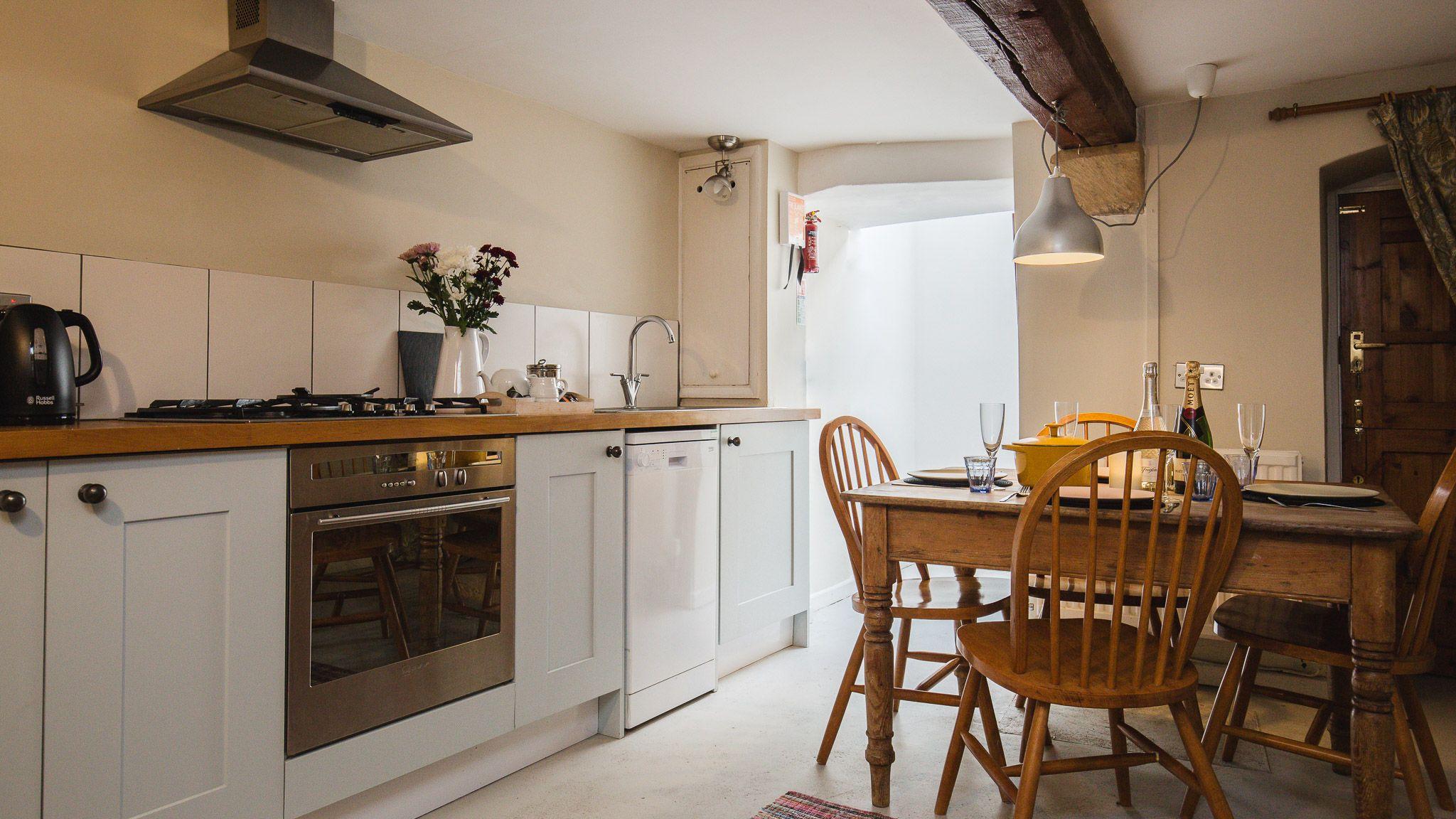 Kitchen, Walkley Wood Cottage, Bolthole Retreats