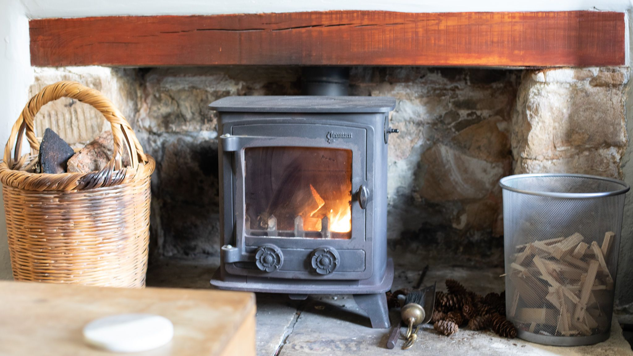 Log burner with starter pack, Walkley Wood Cottage, Bolthole Retreats