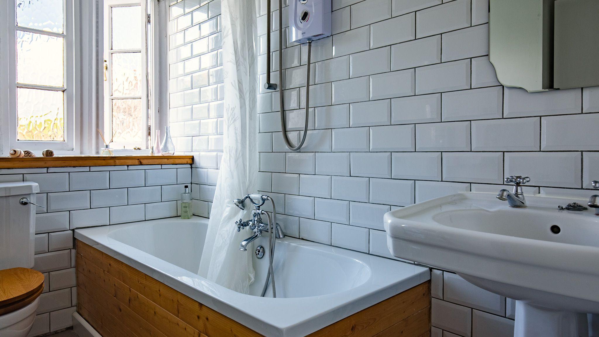 Bathroom, Walkley Wood Cottage, Bolthole Retreats