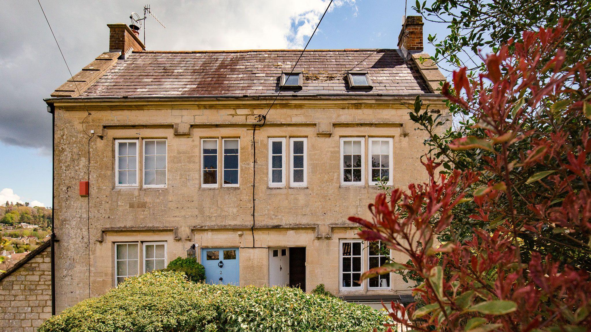 Exterior front, Walkley Wood Cottage, Bolthole Retreats