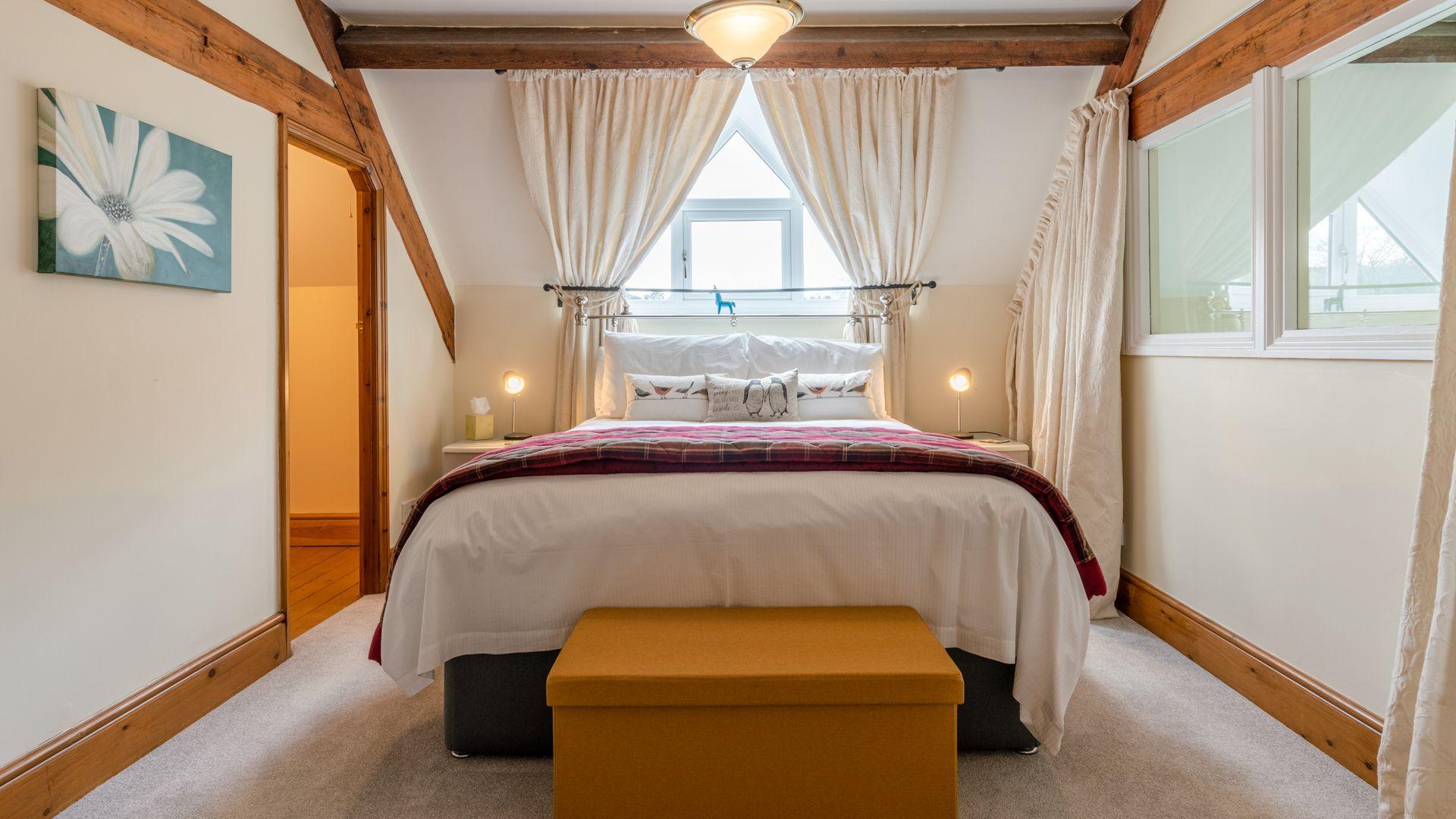 Ensuite Master Bedroom, Old Chapel, Bolthole Retreats