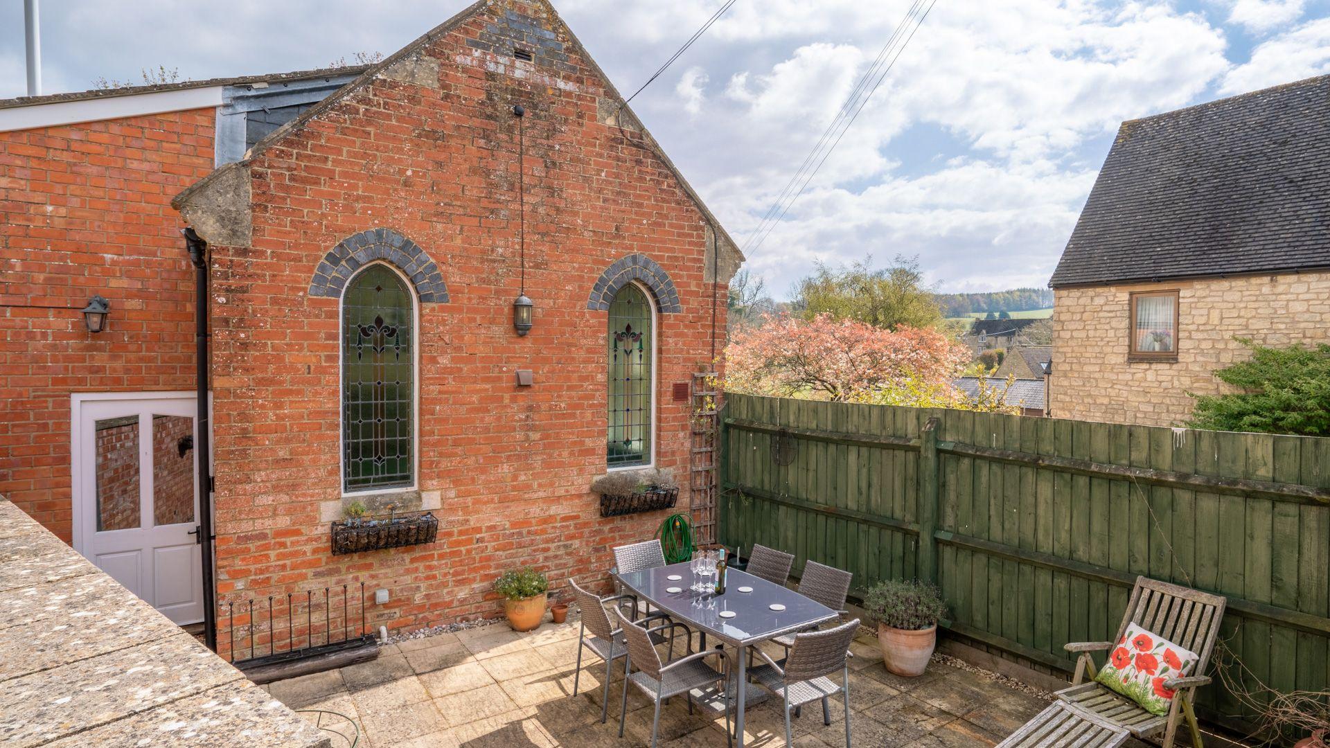 Enclosed patio, Old Chapel, Bolthole Retreats