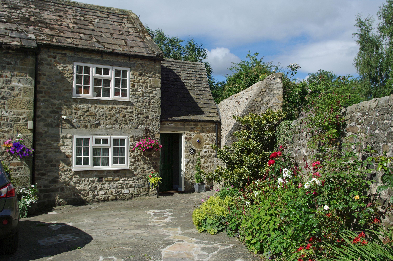 Magnolia Cottage in Masham on the edge of Nidderdale AONB