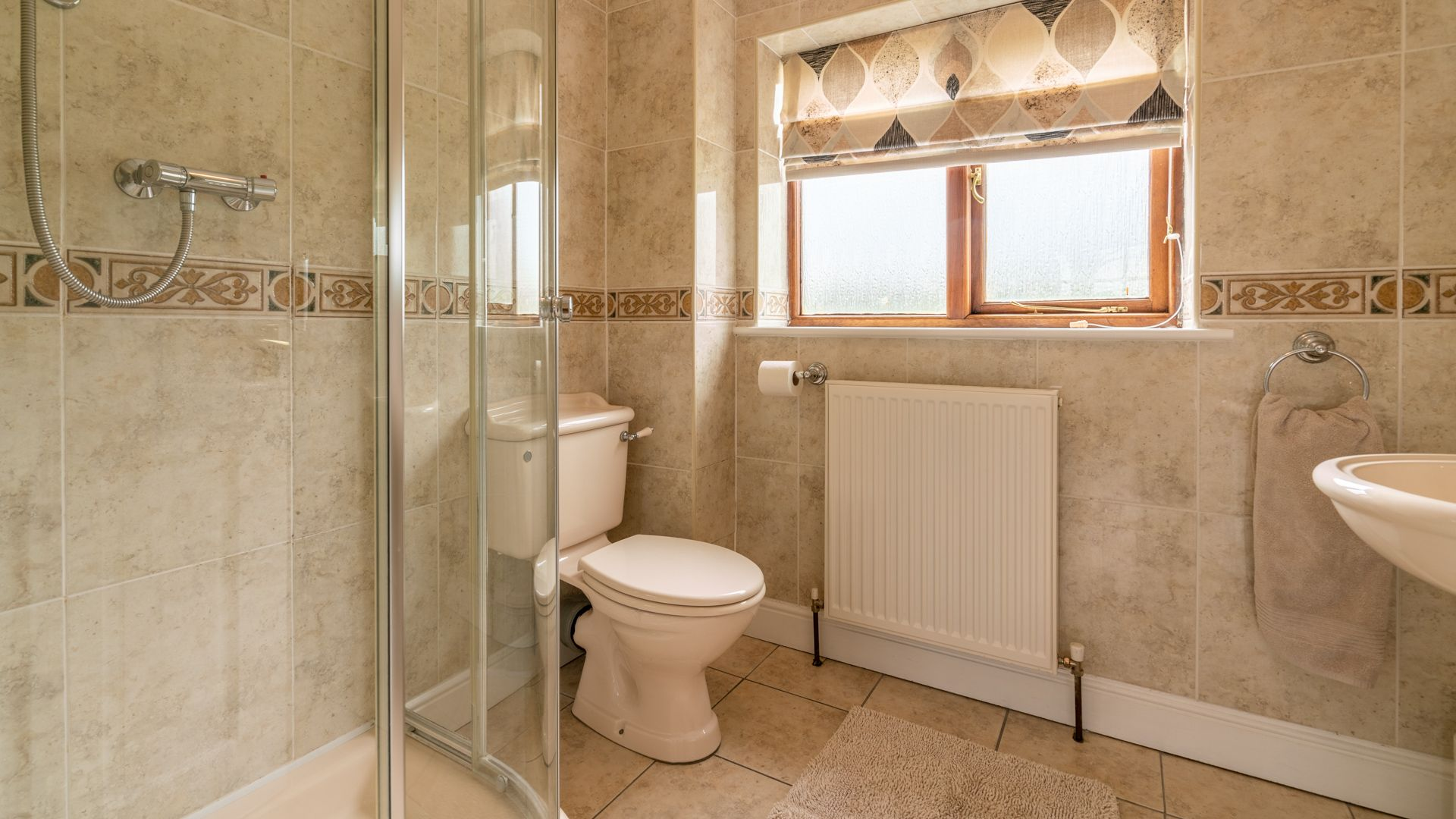 Ground floor Shower Room, Orchard View, Bolthole Retreats