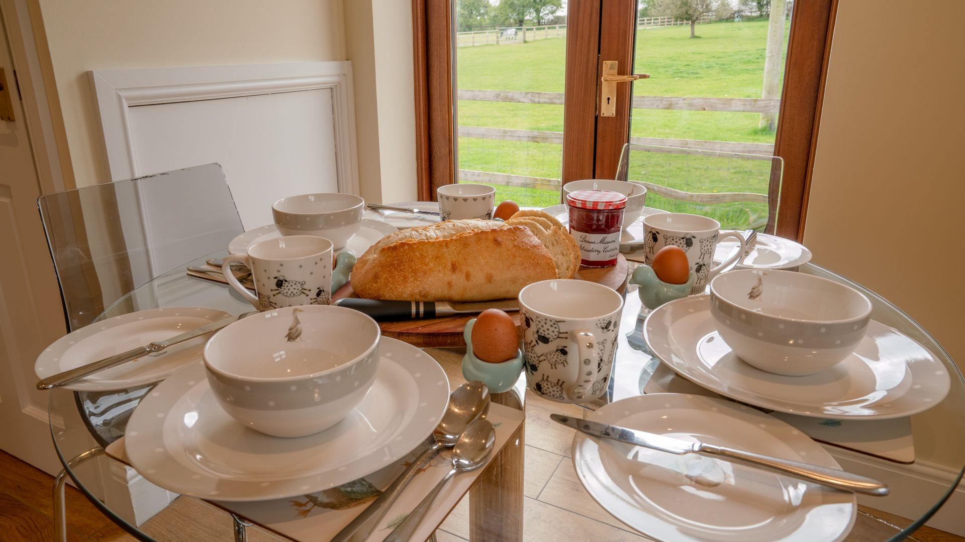 Breakfast for four, Orchard View, Bolthole Retreats