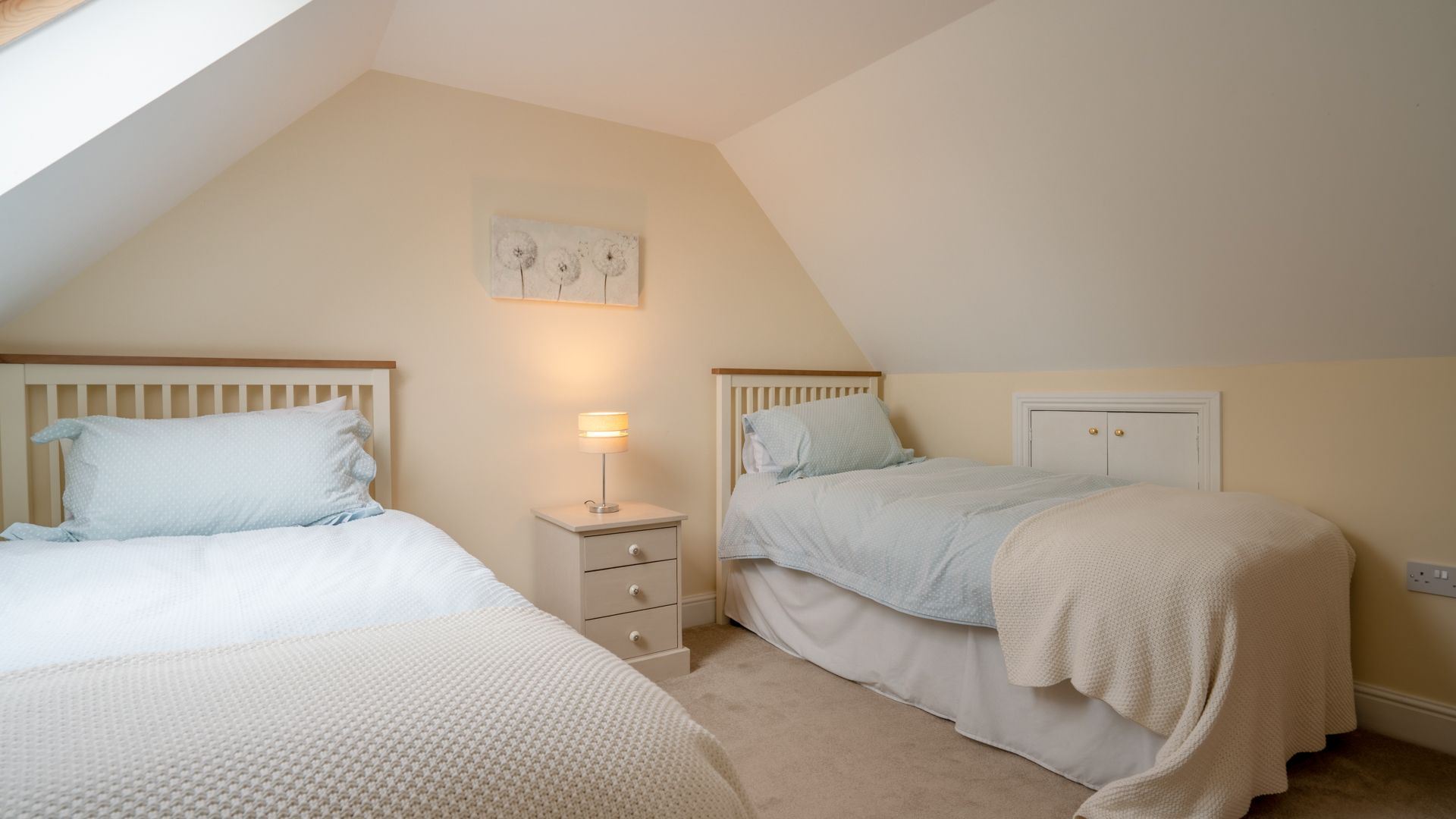 Bedroom Two, Orchard View, Bolthole Retreats