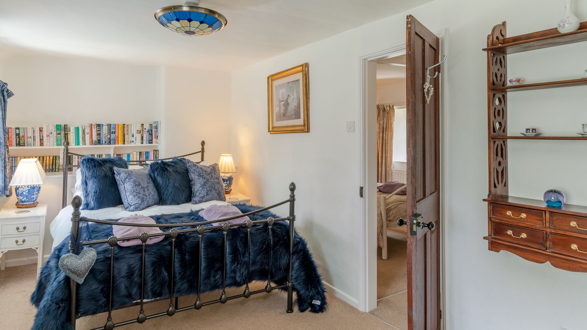 Bedroom One, Forsythia Cottage, Bolthole Retreats