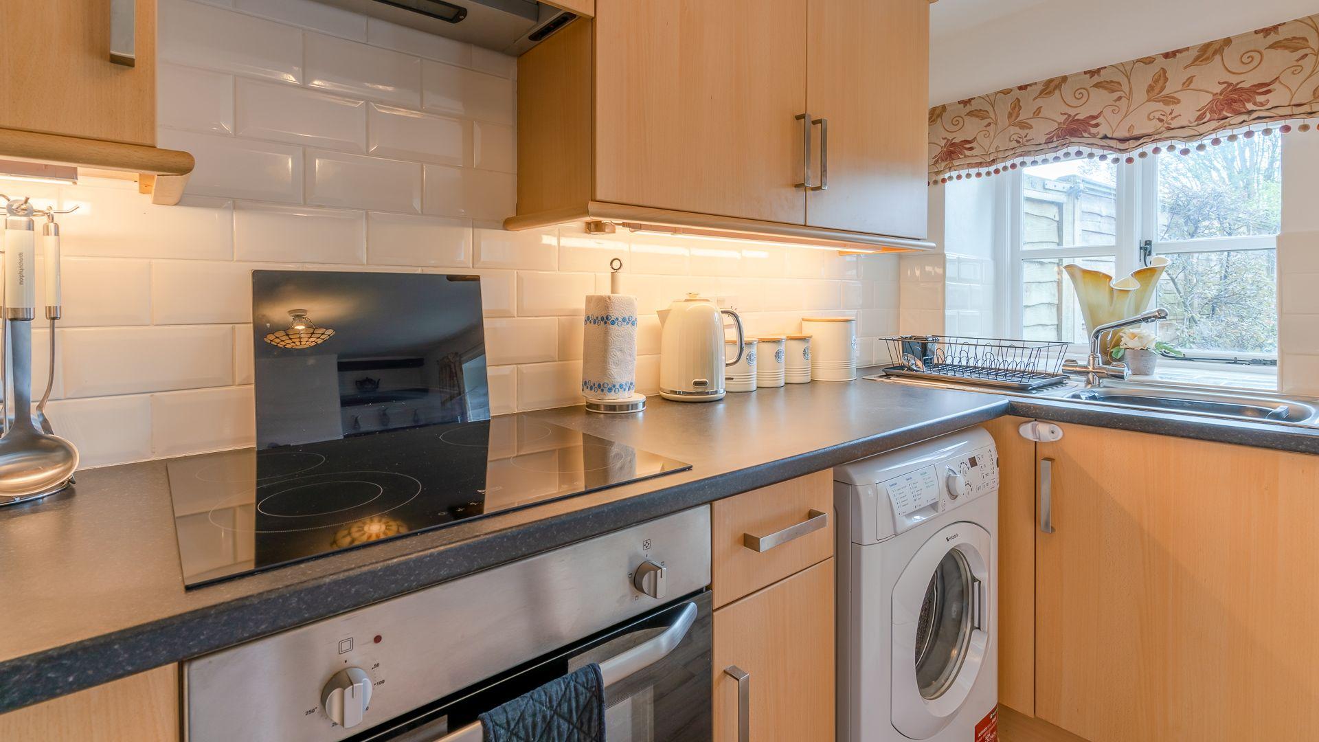 Kitchen, Forsythia Cottage, Bolthole Retreats