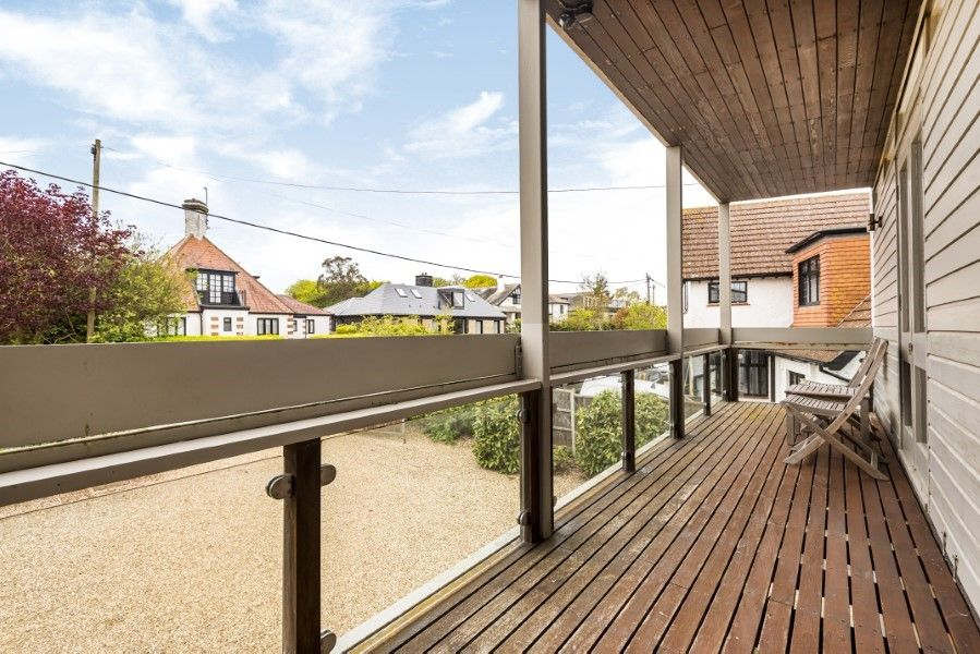 Ongar Lodge | Front balcony