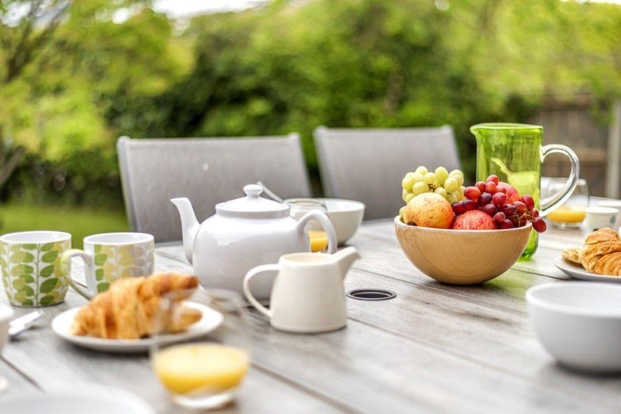 Ongar Lodge | Breakfast al fresco