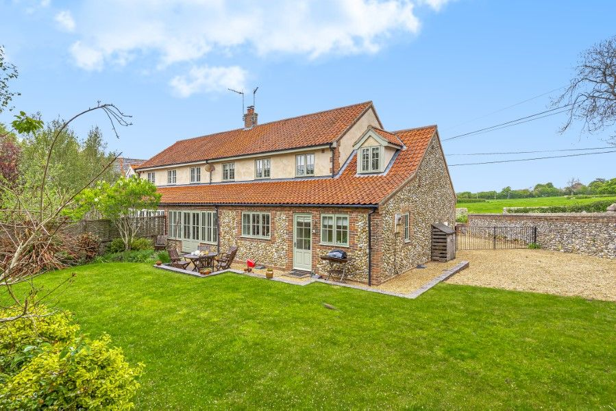 2 Waterhall Cottages | View from the back