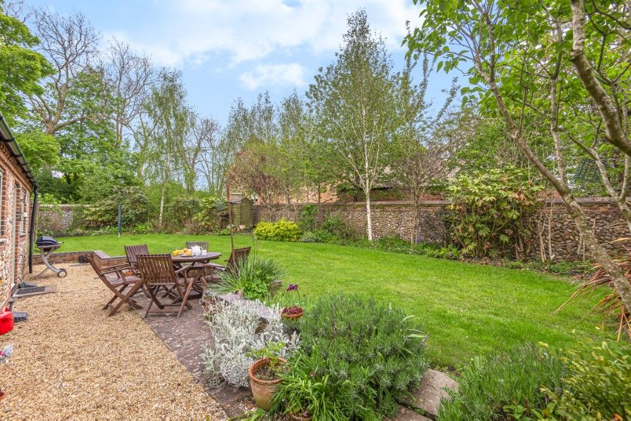 2 Waterhall Cottages | Back garden