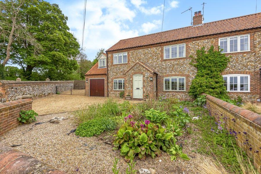 2 Waterhall Cottages | Front garden