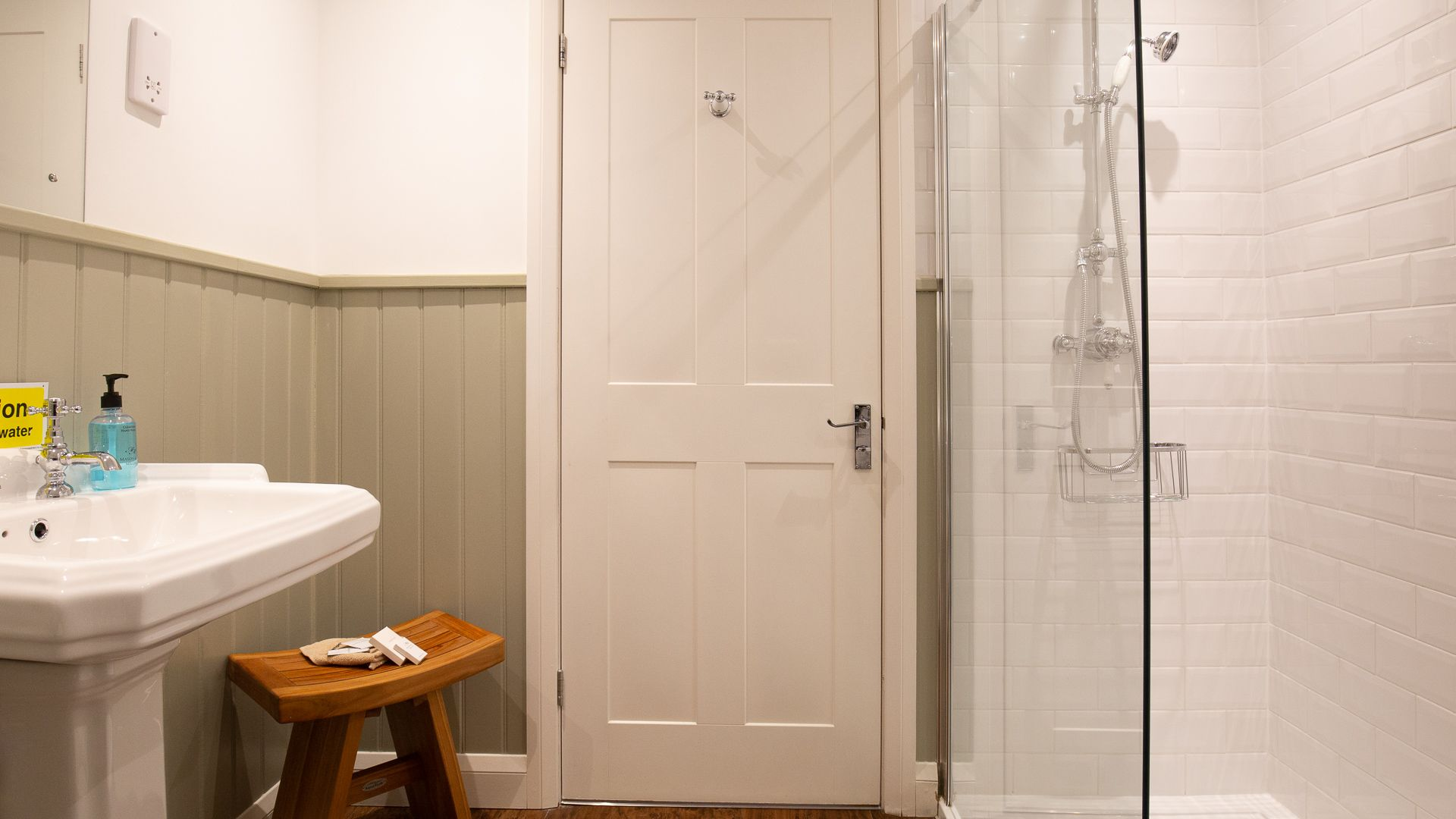Family Bathroom, Lord High Admiral at Sudeley Castle, Bolthole Retreats