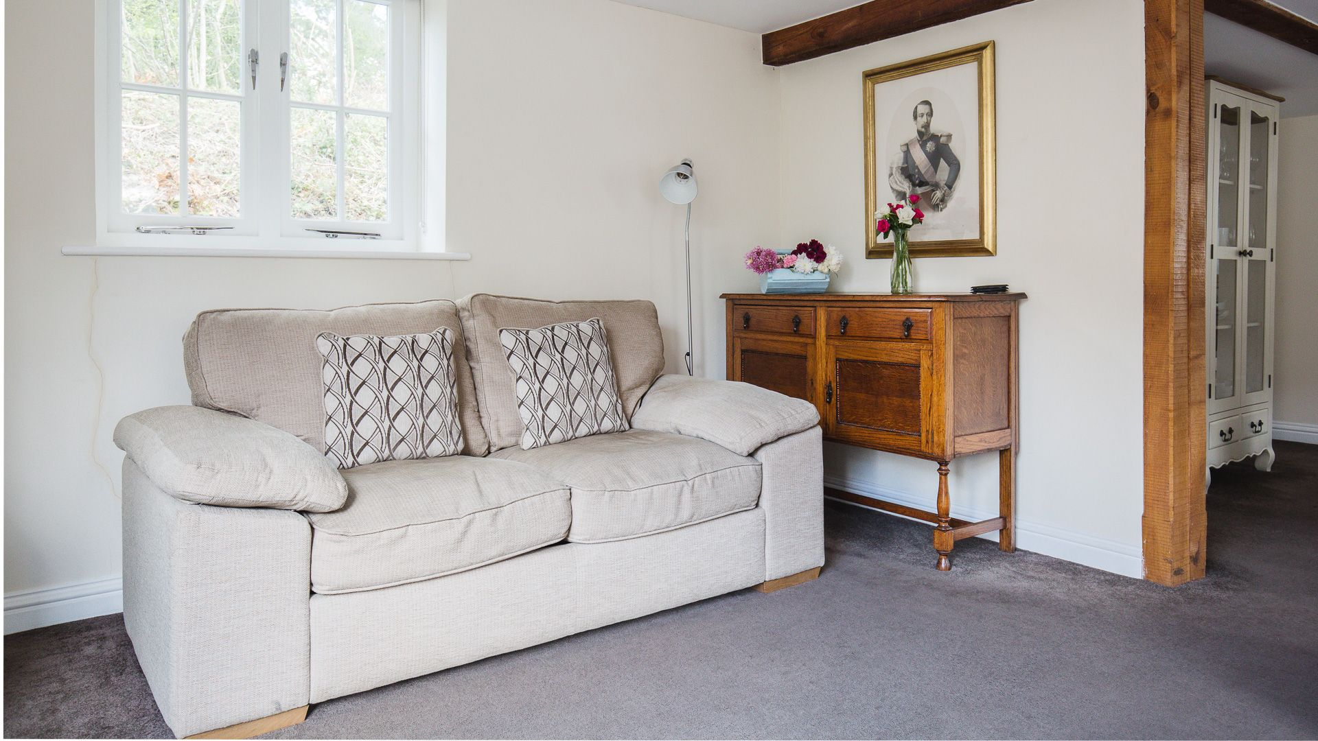 Living Area, Queens Cottage at Sudeley Castle, Bolthole Retreats